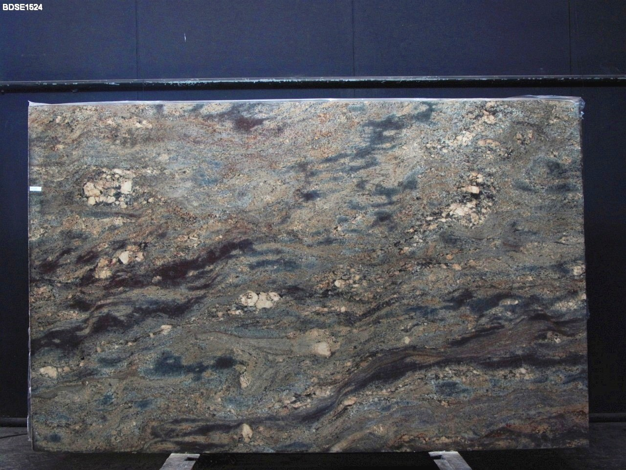 a granite countertops slabs white tile colonial cliffs crystal for colors